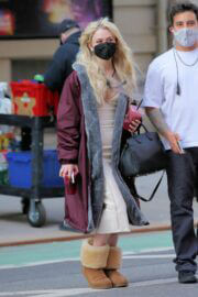 Emily Alyn Lind is Seen on the Set of Gossip Girl in New York 03/23/2021 4