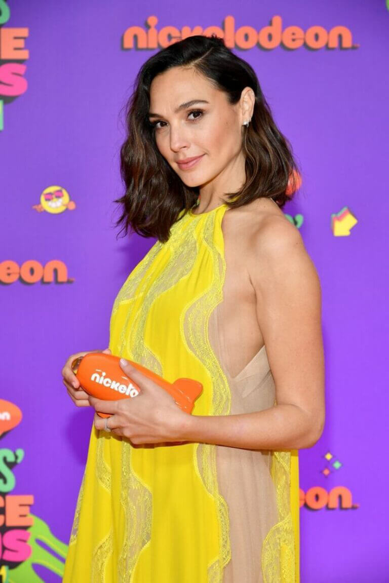 Gal Gadot attends Nickelodeon's 2021 Kids' Choice Awards in Santa Monica 03/13/2021 7