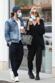Heidi Klum Day Out for Shopping in Malibu 03/12/2021 2