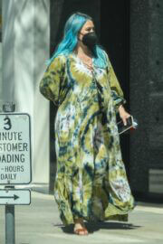 Hilary Duff Steps Out For Shopping in Beverly Hills 03/23/2021 5