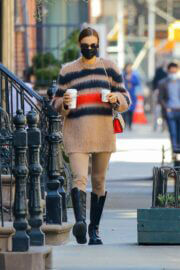 Irina Shayk Steps Out for Coffee in New York 03/21/2021 3