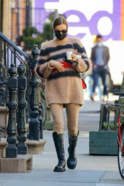 Irina Shayk Steps Out for Coffee in New York 03/21/2021 4