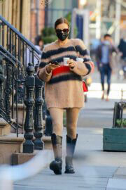 Irina Shayk Steps Out for Coffee in New York 03/21/2021 5