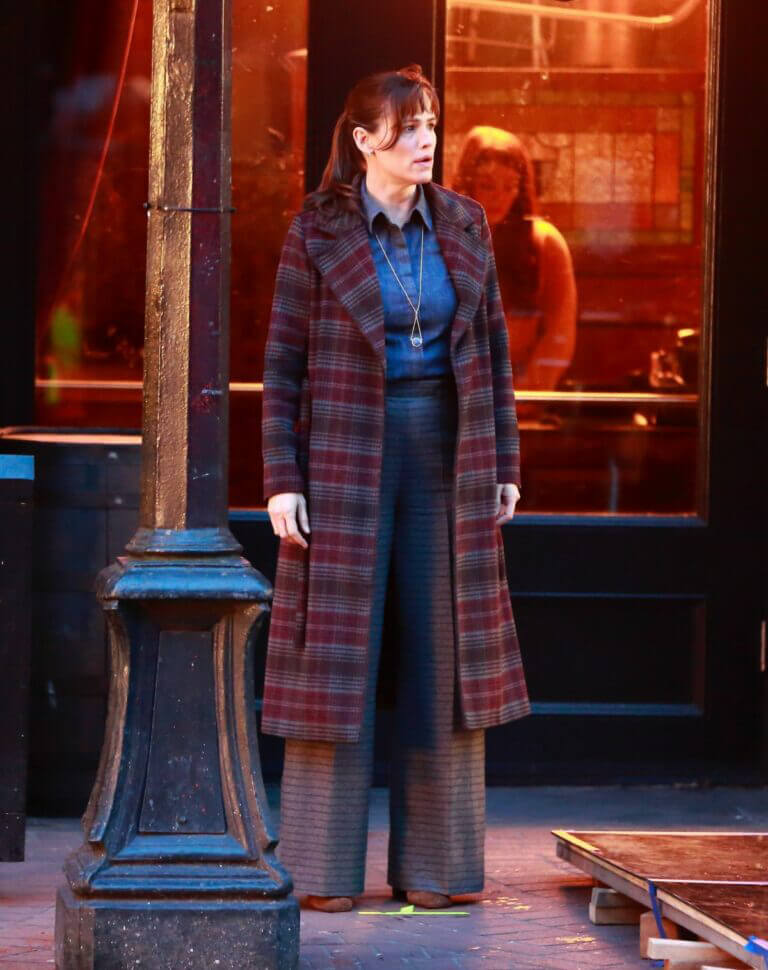 Jennifer Garner Spotted Filming a Scene from The Adam Project in Vancouver 02/24/2021 5