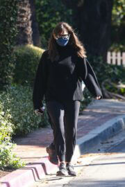 Jennifer Garner Spotted Her New House Construction Area in Brentwood 03/13/2021 3