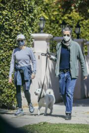 Jodie Foster and Alexandra Hedison Day Out with Their Dog in Santa Monica 03/23/2021 3