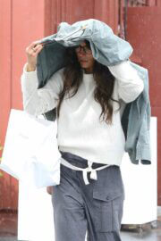 Jordana Brewster in Comfy Outfit Out For Shopping in Brentwood 03/10/2021 1