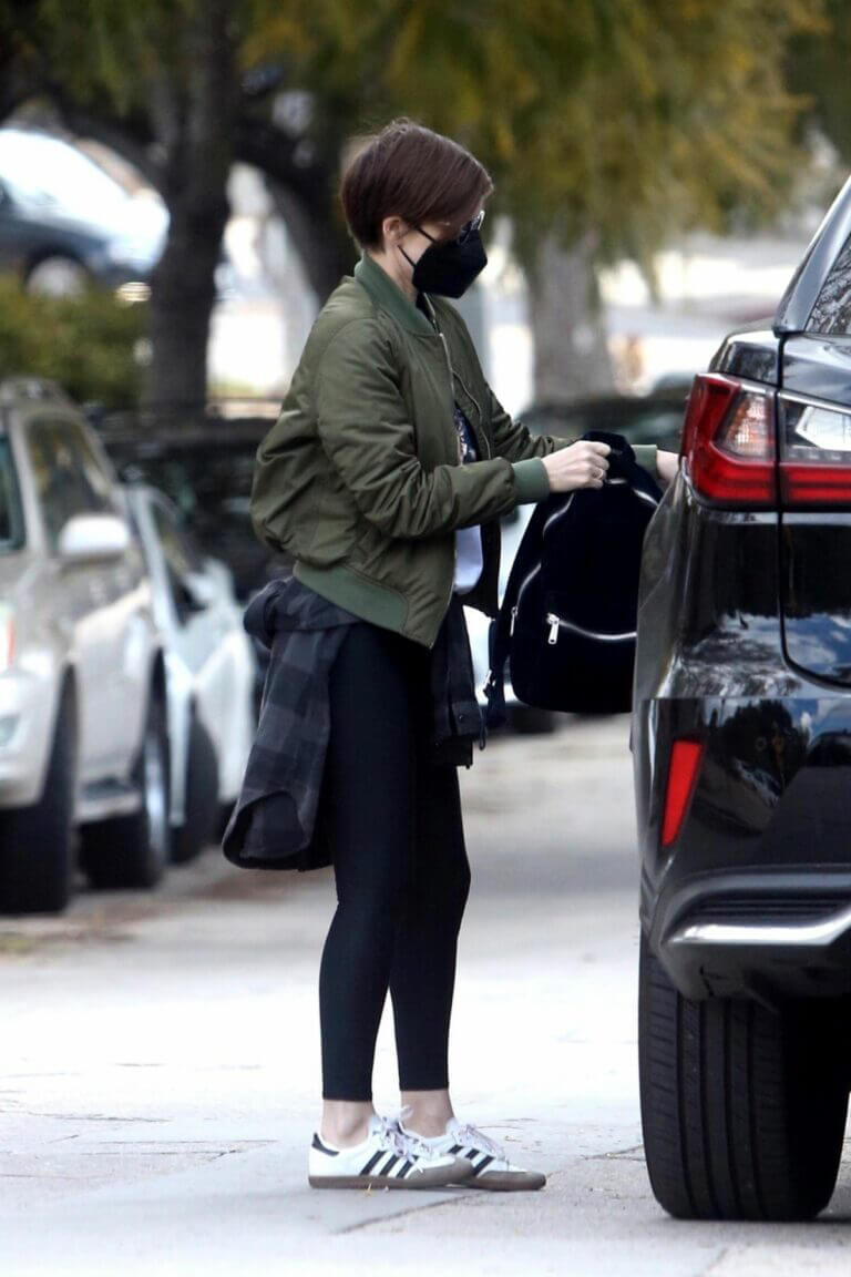 Kate Mara Seen Out in Silver Lake 03/12/2021 9