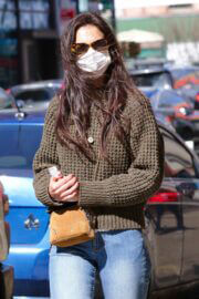 Katie Holmes Out Shopping in New York 03/14/2021 1