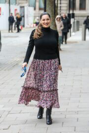 Kelly Brook is Arriving at Heart FM Show in London 03/24/2021 3