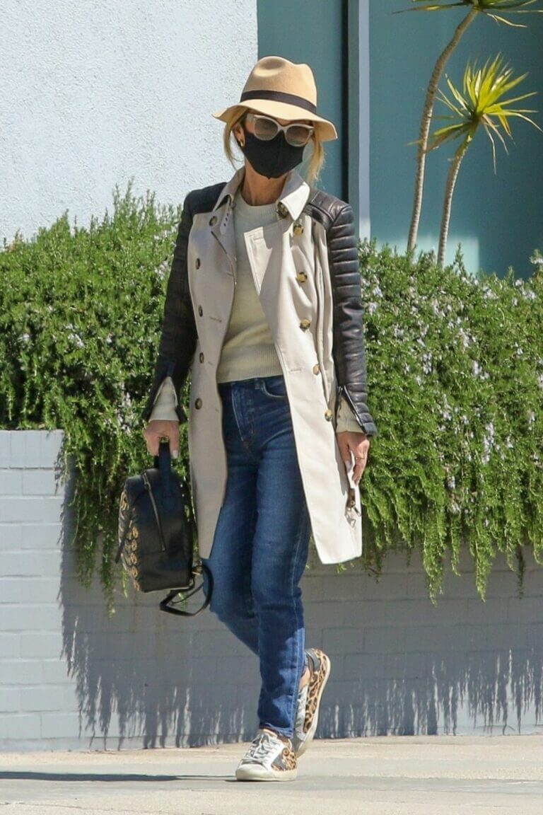 Laeticia Hallyday Day Out for Shopping in Beverly Hills 03/12/2021 3