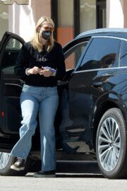 Laura Dern In Black Sweatshirt and Blue Denim Out for Shopping in Los Angeles 03/06/2021 5