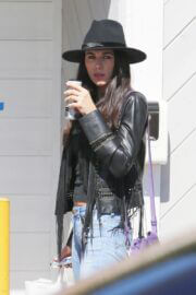 Lavinia Postolache Out and About in Los Angeles 03/24/2021 4