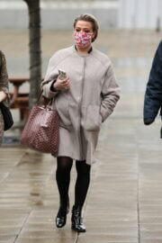 Lisa Armstrong Wraps Up Warm as She Heads into a Studios in Leeds 03/10/2021 2