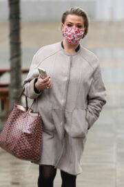 Lisa Armstrong Wraps Up Warm as She Heads into a Studios in Leeds 03/10/2021 4