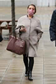 Lisa Armstrong Wraps Up Warm as She Heads into a Studios in Leeds 03/10/2021 6