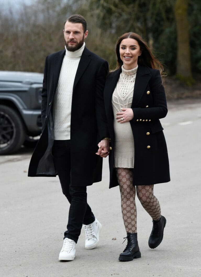 Pregnant Nermina Pieters with her Hubby Erik Out in Alderley Edge 02/24/2021 7