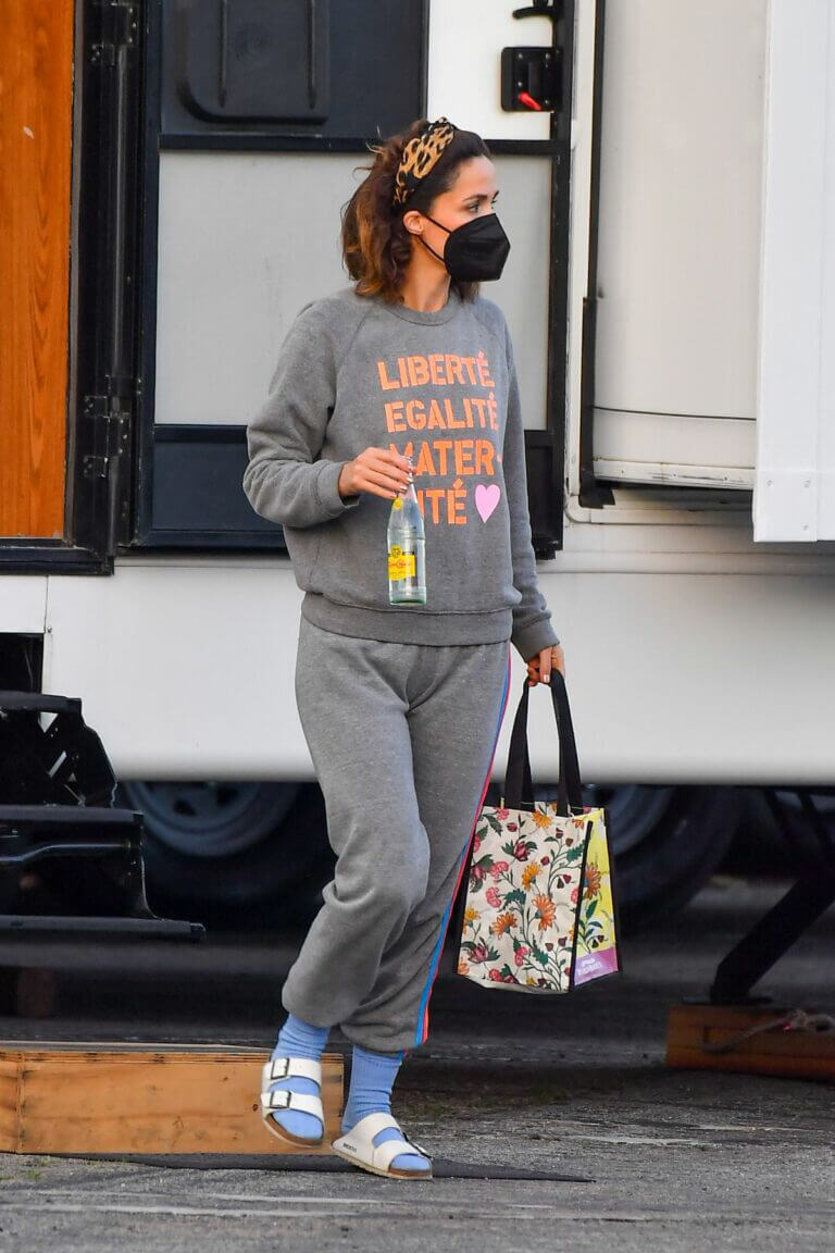 Rose Byrne is Seen on the Set of Physical in Santa Monica 03/11/2021 4