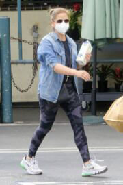 Sarah Michelle Gellar Keeps it Casual as She wears Denim Jacket and Tights during Shopping at Whole Foods in Los Angeles 02/05/2021 2