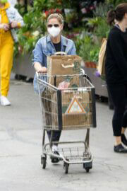 Sarah Michelle Gellar Keeps it Casual as She wears Denim Jacket and Tights during Shopping at Whole Foods in Los Angeles 02/05/2021 6