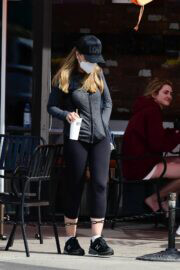 Maria Shriver Out and About for Lunch in Brentwood 03/19/2021 3