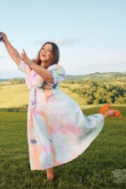Melissa McCarthy On The Cover Page Of Instyle Magazine, April 2021 5