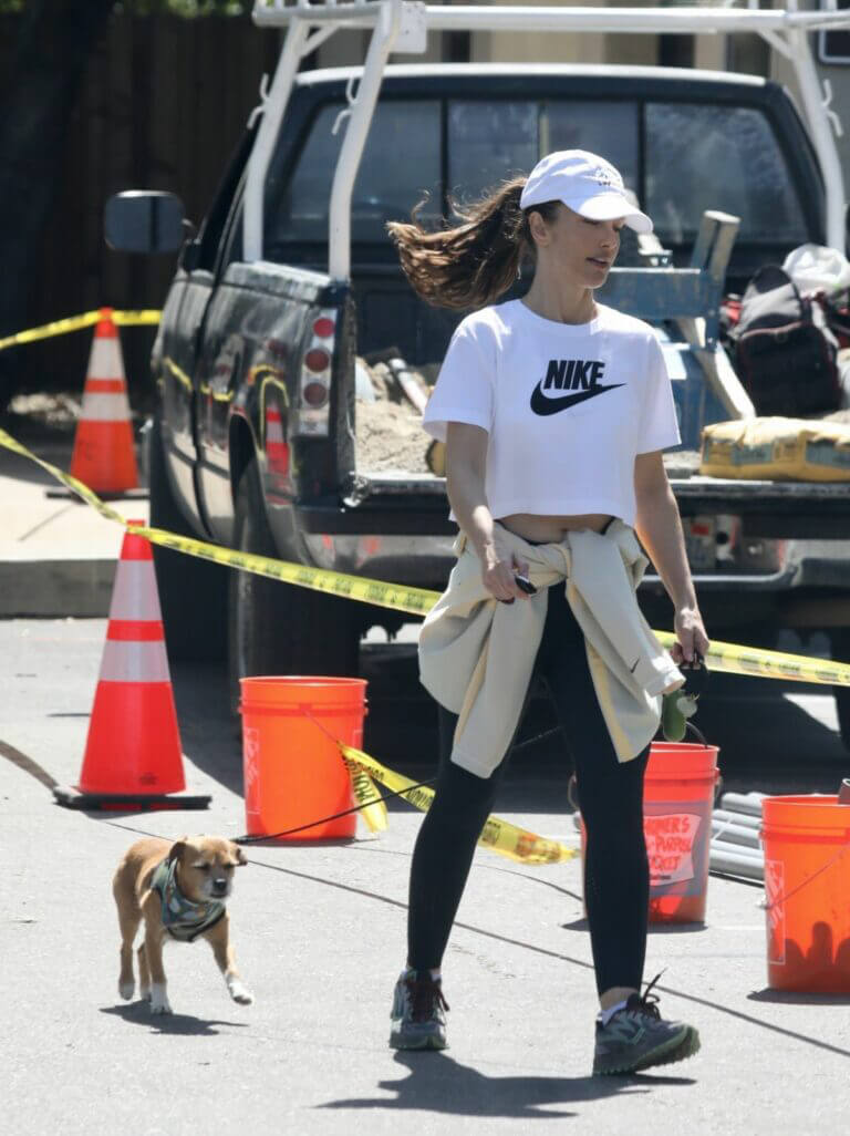 Minka Kelly Hikes with Her Dog in Hollywood Hills 03/22/2021 1
