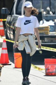 Minka Kelly Hikes with Her Dog in Hollywood Hills 03/22/2021 3