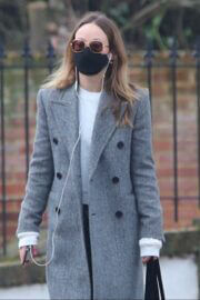 Olivia Wilde Out and About for Coffee in London 03/24/2021 2
