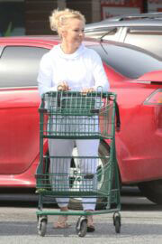Pamela Anderson Out and About For Shopping in Ladysmith 03/19/2021 7