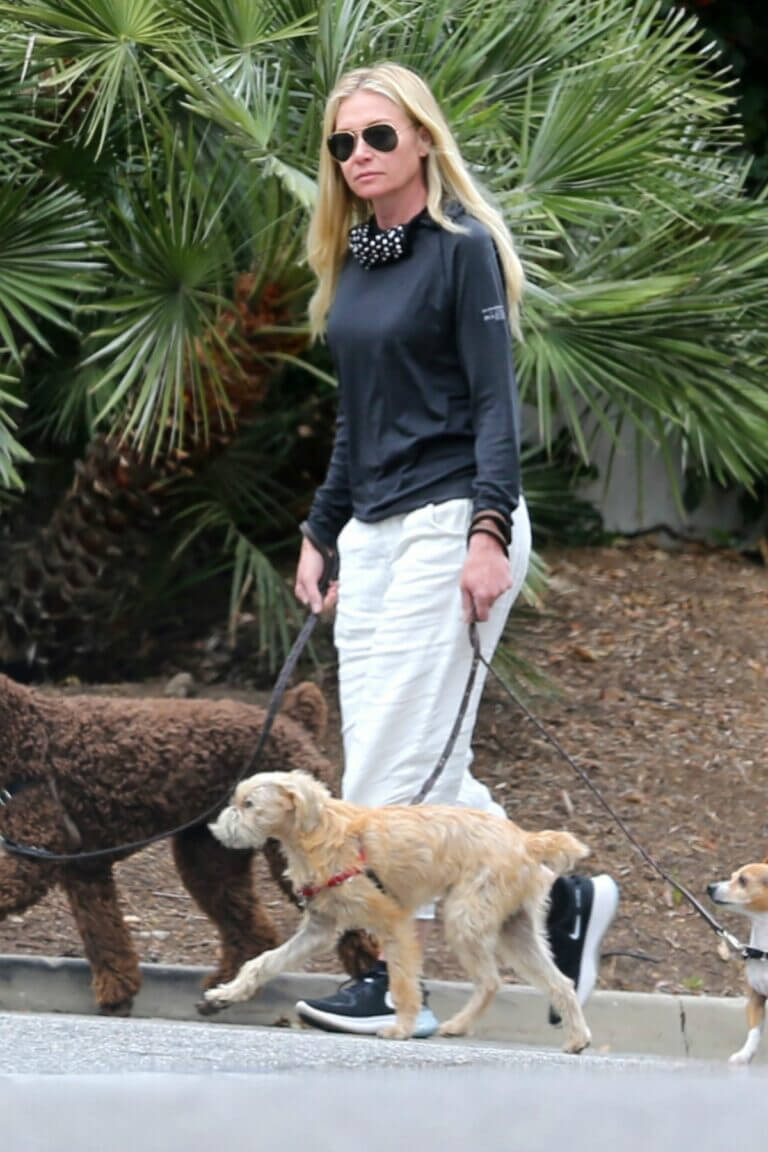 Portia de Rossi Steps Out with Her Dog in Montecito 03/22/2021 1