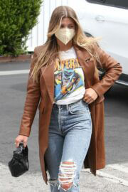 Sofia Richie Seen in Ripped Denim Out in Hollywood 03/25/2021 7