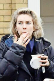 Vanessa Kirby Checking Out Georgian Style 3 Story House in London 03/20/2021 6