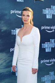Betty Gilpin attends The Tomorrow War Premiere in Los Angeles 06/30/2021 1