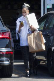 Tessa Thompson Out Shopping in West Hollywood 06/28/2021 8