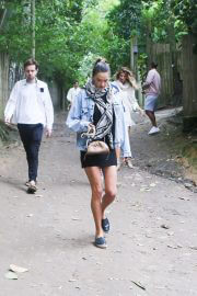 Alessandra Ambrosio Out with Friends in Trancoso 08/02/2021 4