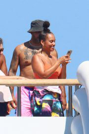 Alicia Keys in Wetsuit During Slide at a Yacht in South of France 08/03/2021 5