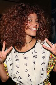 Izzy Bizu attends Van Gogh Immersive Experience Private View in London 08/03/2021 1