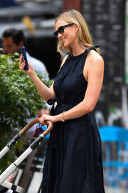 Karlie Kloss Out with Her Baby Levi Kloss in New York 08/03/2021 4