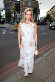 Pregnant Lisa Dwan at Van Gogh Immersive Experience Private View in London 08/03/2021 3