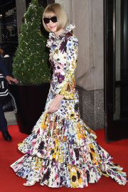 Anna Wintour in Floral Dress Heading to 2021 Met Gala 09/13/2021 2