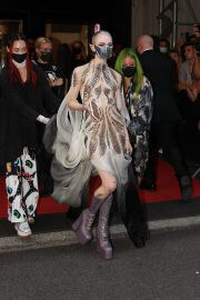 Grimes with Sword and Metal Mask to 2021 Met Gala in New York 09/13/2021 7