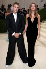 Hailey Bieber and Justin Bieber Walked on the Met Gala 2021 Red Carpet 09/13/2021 1