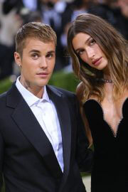 Hailey Bieber and Justin Bieber Walked on the Met Gala 2021 Red Carpet 09/13/2021 2