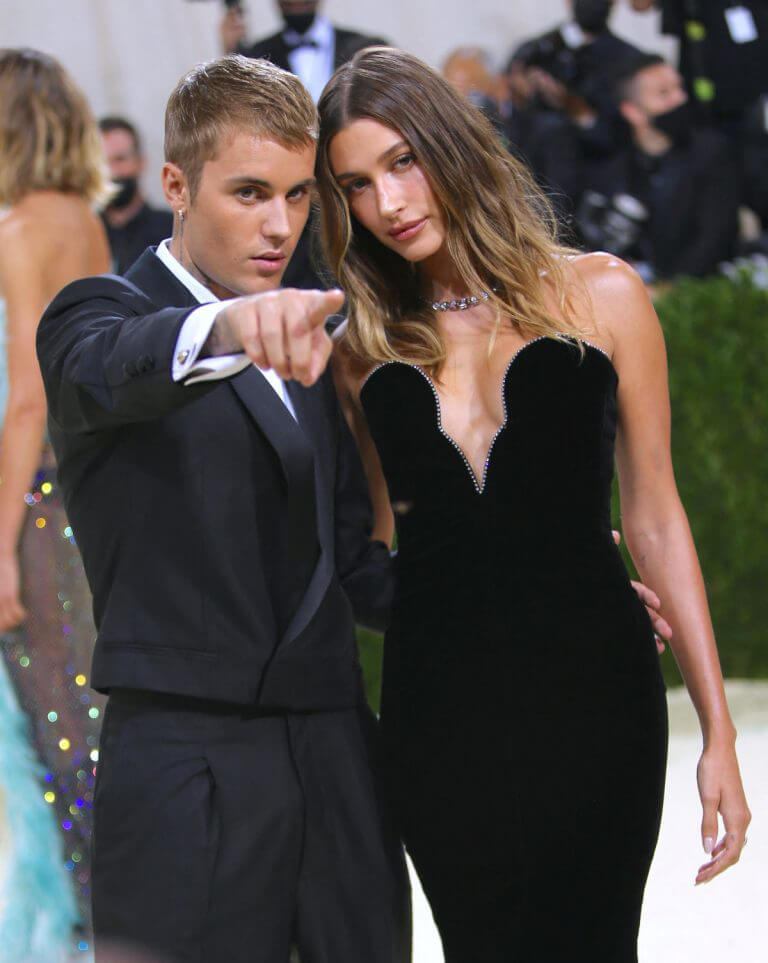 Hailey Bieber and Justin Bieber Walked on the Met Gala 2021 Red Carpet 09/13/2021 3