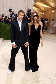 Hailey Bieber and Justin Bieber Walked on the Met Gala 2021 Red Carpet 09/13/2021 15