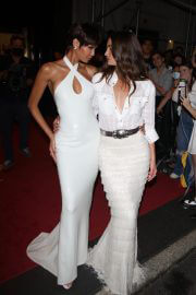 Joan Smalls and Lily Aldridge Heading to Met Gala in New York 09/13/2021 4