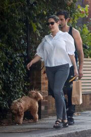 Kelly Brook Day Out in White Shirt and Denim in London 09/12/2021 2