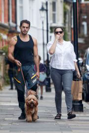 Kelly Brook Day Out in White Shirt and Denim in London 09/12/2021 3