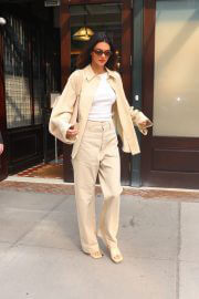 Kendall Jenner in Casuals Out and About in New York 09/14/2021 5